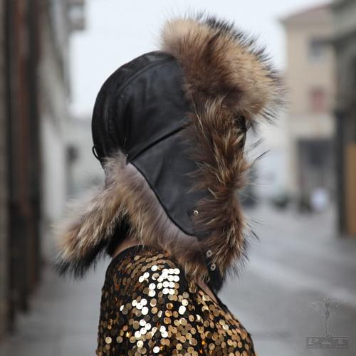 grth2330-rac-cappello-in-pelle-con-fronte-e-paraorecchie-in-raccoon-taglia-regolabile-1827