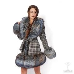 cpzq1910-t00va-82-cm-cappotto-tessuto-piccolo-scozzese-grigio-e-volpe-argentata-azzur-7531.jpg